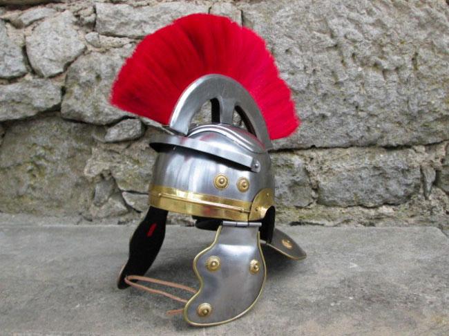 elmo_medievale_centurione_romano